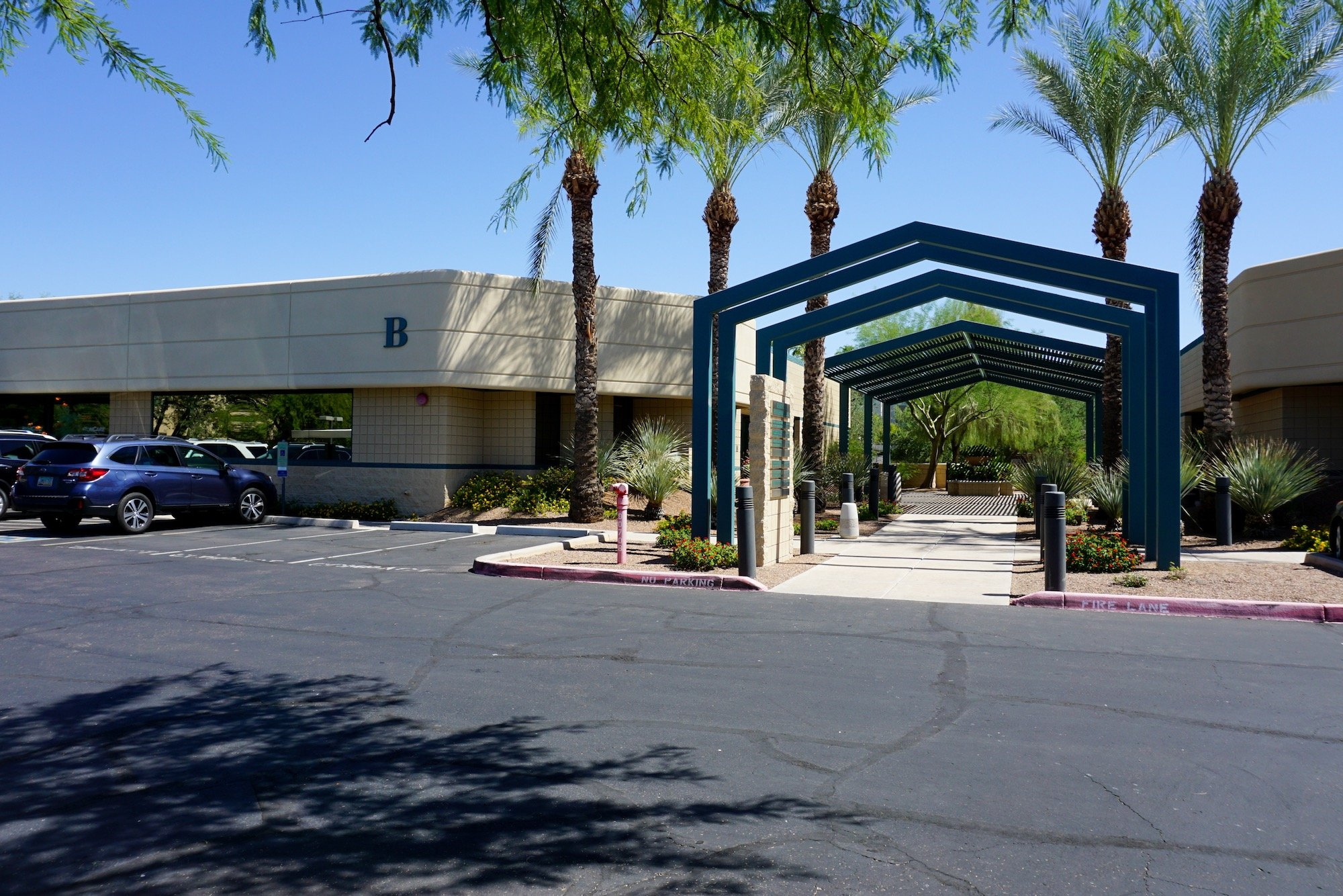 Building View of Scottsdale Medical Center
